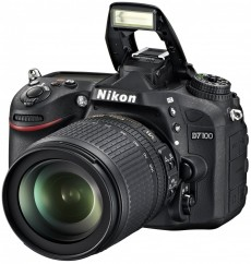 Nikon D7100 kit 18-105mm VR (VBA360K001)